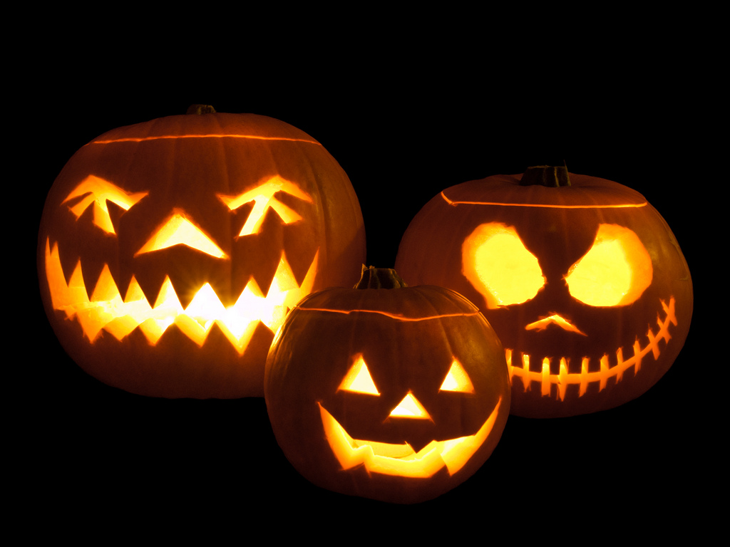 Jack-o-lanterns with really different eyes